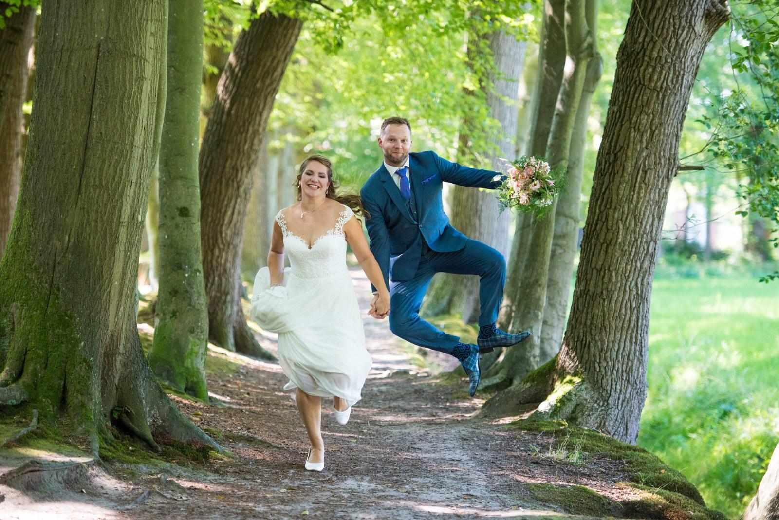 Blauw trouwpak met een waanzinnige leuke voering