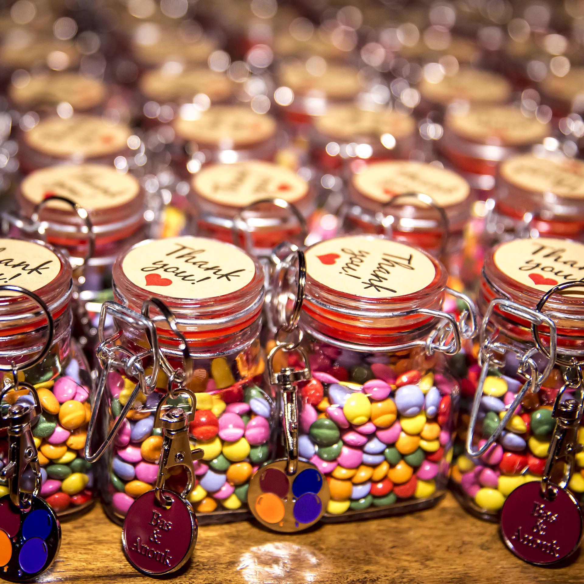 Maak van je trouwpak een kleurrijk feestje