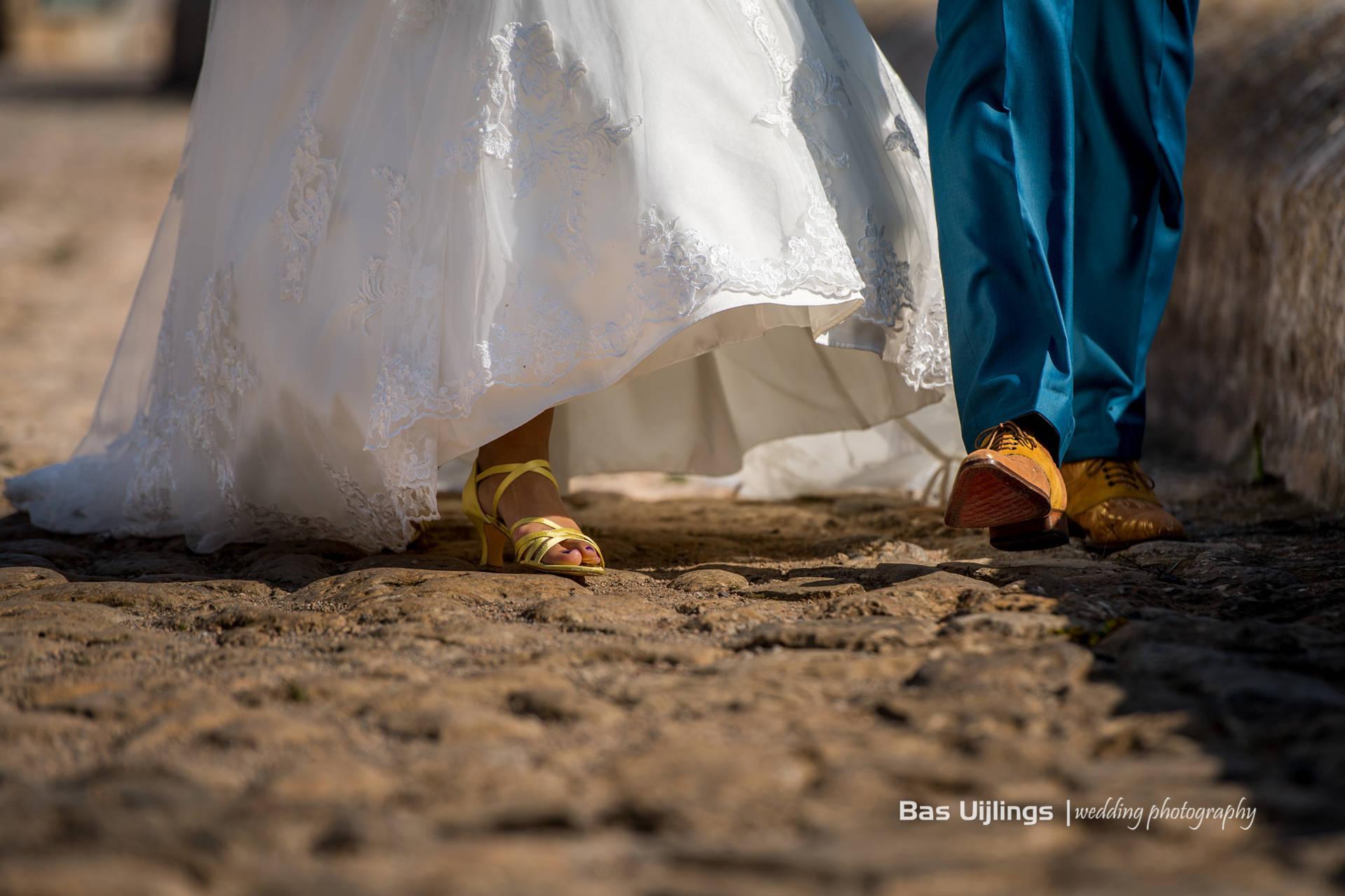 Aquablauw, mintgroen en zongeel: trouwpak, Ibiza style