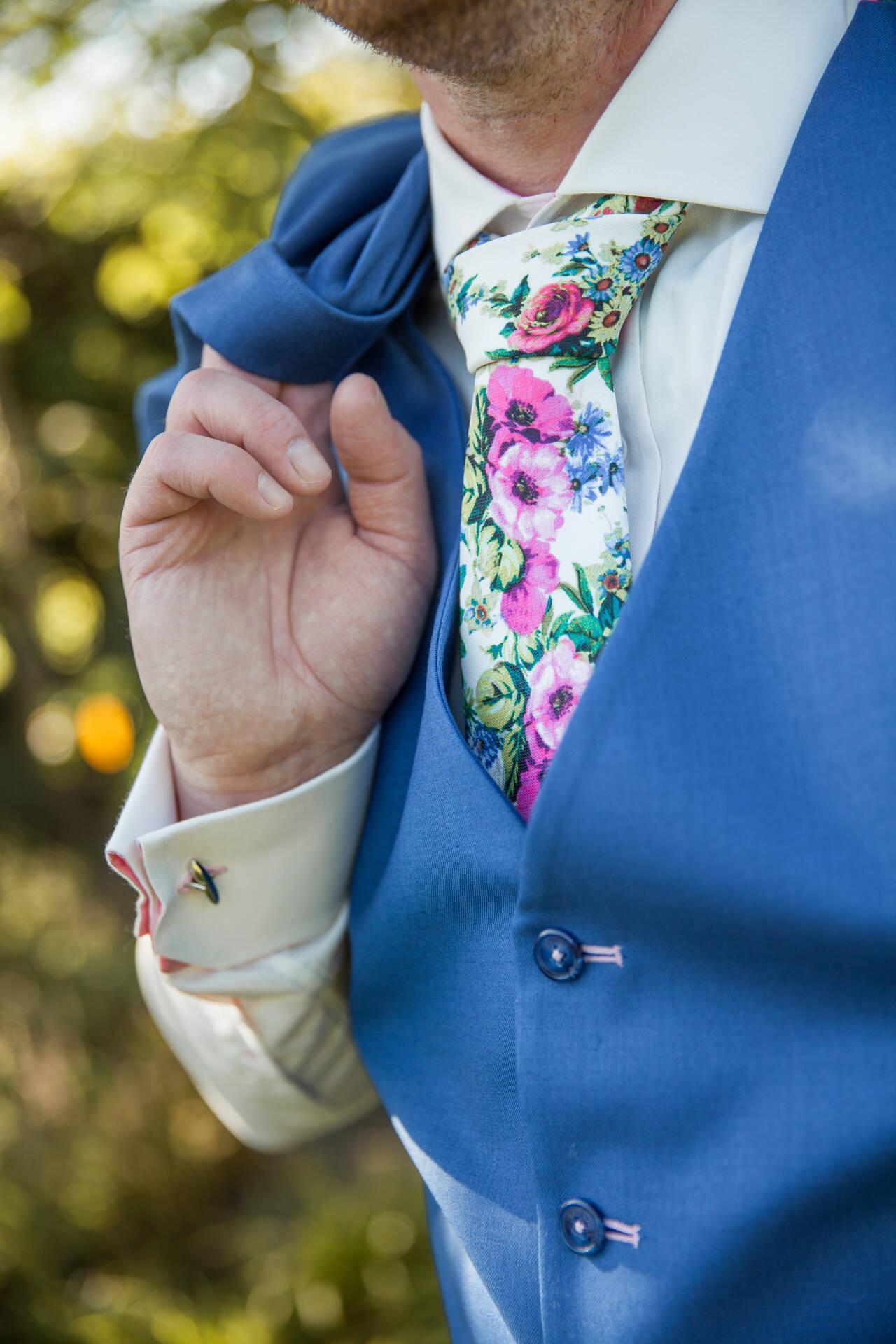 Zeg het met bloemen, je trouwpak en accessoires