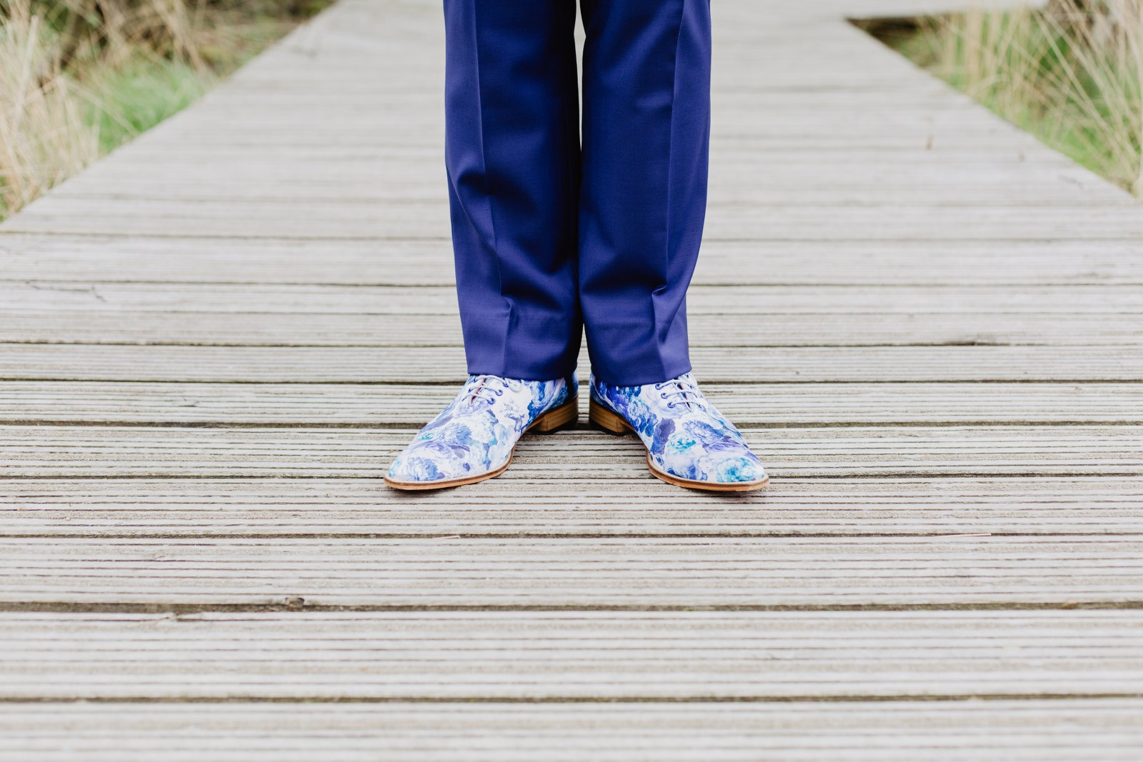 Hip en trendy, maar ook erg stijlvol blauw trouwpak