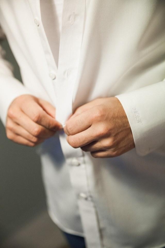 Time to shine in een niet-standaard blauw trouwpak
