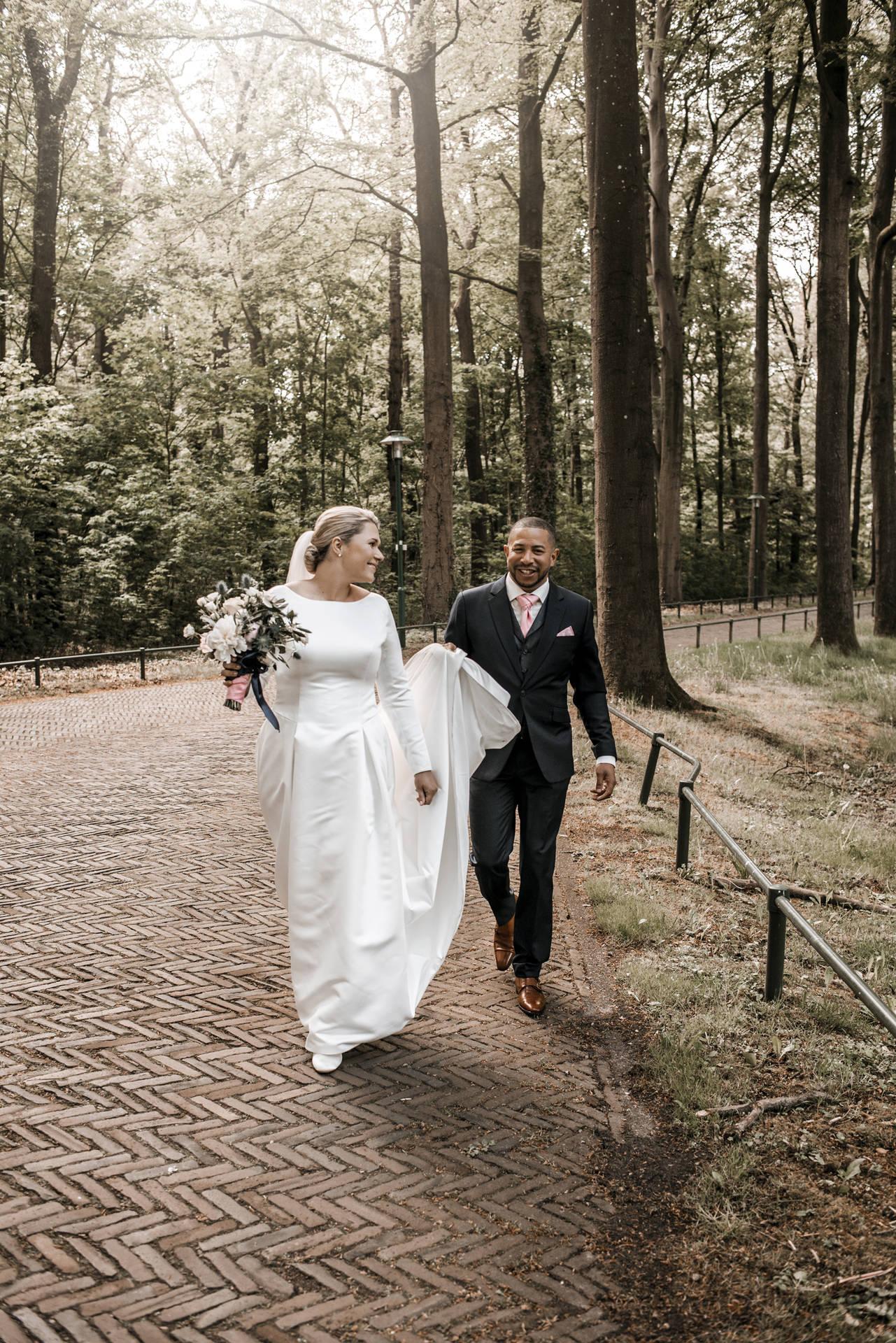 Gentleman's style: donkerblauw trouwpak, zijn stijl