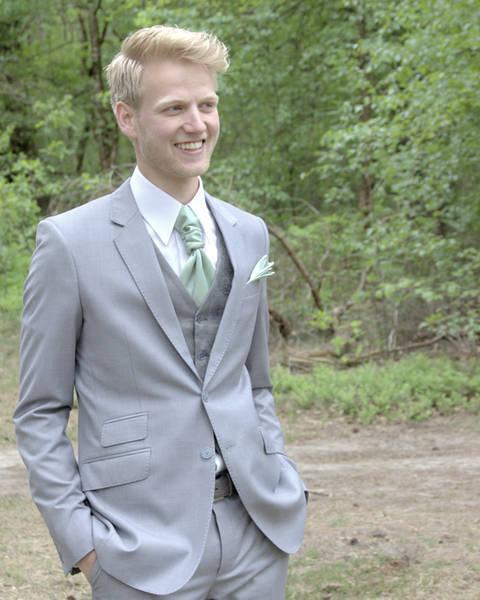 Mooi lichtgrijs trouwpak: 'mint' your suit