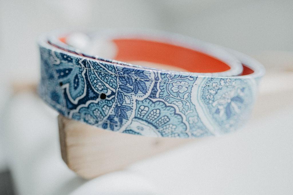 Zijn unieke trouwpak: kleur, vlinderdas en schoenen