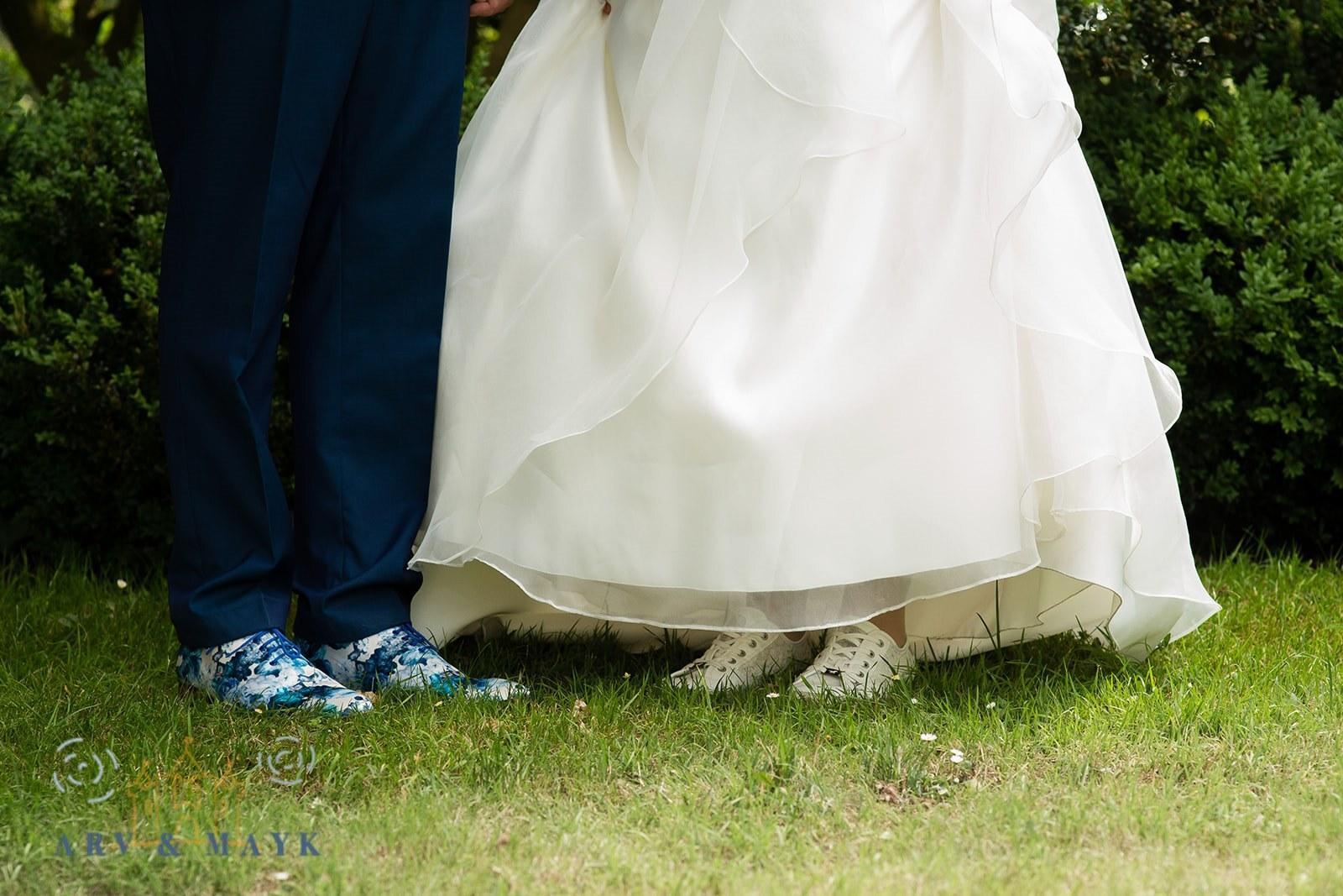 Petrol trouwpak met schoenen en das in gelijke print